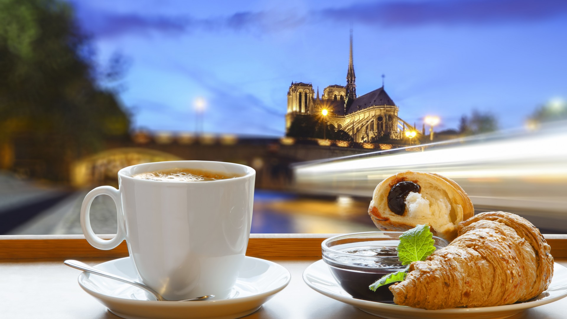 Best Travel 15 Days Tour In France